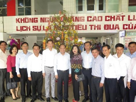 Lãnh đạo TP.HCM thăm và chúc tết tại bến xe miền Tây