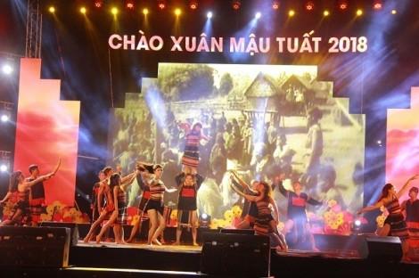 Đắk Lắk: Hoa hậu H'Hen Niê chúc tết người dân Đắk Lắk trong đêm giao thừa