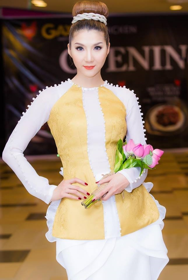 Trang diem trong veo ngay tet voi chuyen gia Dung Phan