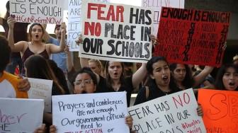 Học sinh cả nước Mỹ tuần hành sau vụ xả súng Florida