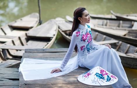 Phụ nữ châu Á thường mặc gì vào ngày đầu năm mới