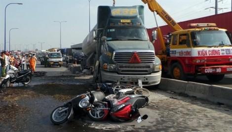 Hơn 300 người thương vong vì tai nạn giao thông trong 5 ngày tết