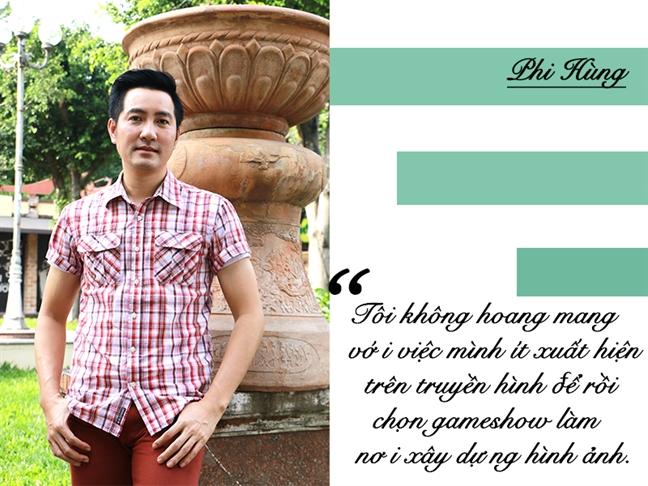 Ca si Phi Hung: 'Bo me thuong do loi neu ai hoi toi chuyen vo con'