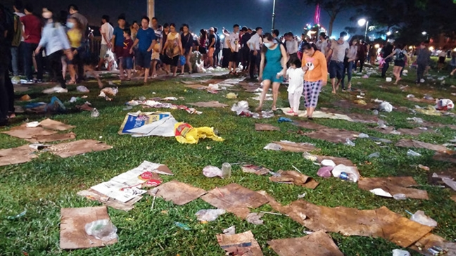 Chu tich UBND TP Nguyen Thanh Phong: Con xa rac sau ban phao hoa la dieu rat xot xa