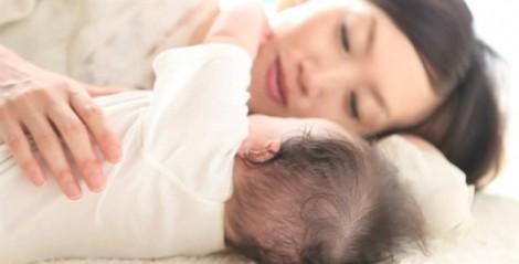 Sau sinh, chị òa khóc vì không nhận ra mình trong gương