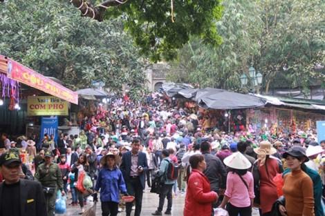 Bộ VH-TT-DL yêu cầu mặc áo phao cho du khách tại lễ hội chùa Hương