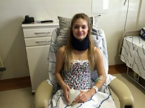 Cô gái bị liệt từ cổ xuống vì tai nạn lúc tập gym