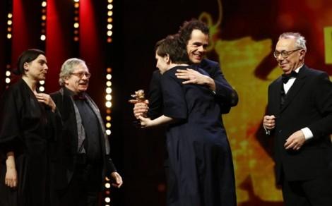Bộ phim khiến khán giả bỏ chạy đoạt giải cao nhất LHP Berlin 2018