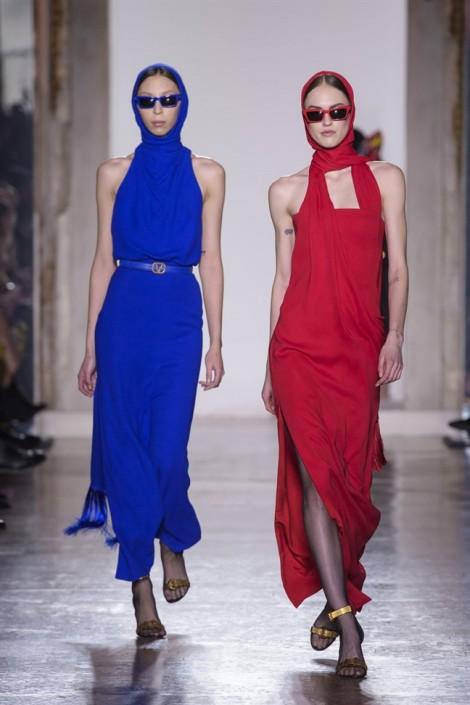 Những bộ cánh ấn tượng nhất tuần lễ thời trang Milan