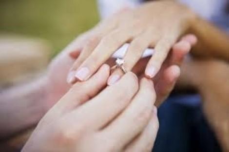 Báo nước ngoài viết về trào lưu 'cưới giả' ở Việt Nam