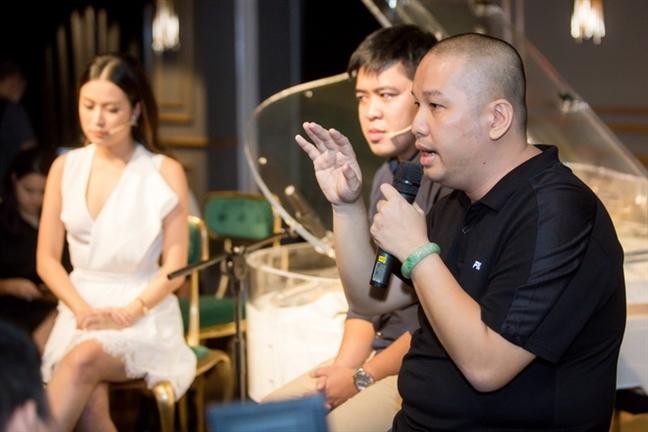 'Tu truyen cua Hoang Thuy Linh khong phan xet, giai thich hay do loi cho qua khu'