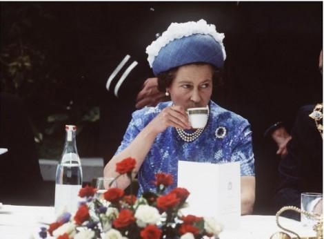 Chế độ ăn uống giúp nữ hoàng Elizabeth luôn khỏe đẹp dù sắp qua tuổi 92