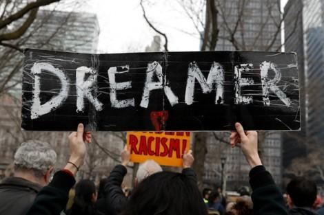 Tòa án Tối cao Mỹ 'cứu' hơn nửa triệu người nhập cư DACA