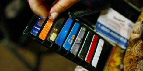 Đầu tháng 3/2018, người 15 tuổi trở lên được dùng thẻ tín dụng