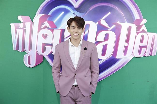 Chang trai 22 tuoi lap lai kich ban to tinh khi tham gia 2 gameshow hen ho