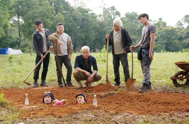 Kieu Minh Tuan, Huy Khanh bi chon song o phim truong