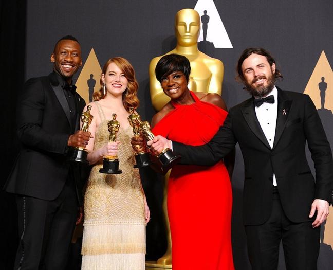Bua tiec chieu dai hoanh trang, xa xi sau le trao giai Oscar 2018 co gi dac biet?