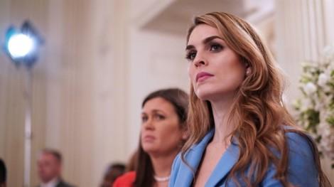 Nữ giám đốc truyền thông Nhà Trắng trẻ tuổi, xinh đẹp, bất ngờ từ chức