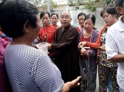 Vị sư mang bệnh suy thận vẫn nặng lòng với tổ cơm từ thiện cho người nghèo