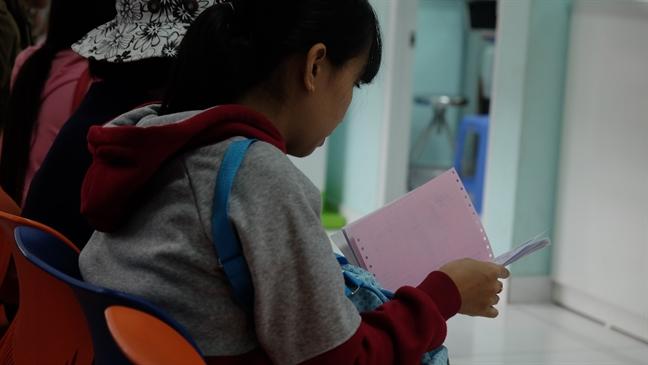 4 ngay trien khai kham benh ghi chung minh nhan dan: Benh nhan, bac si 'la lang'