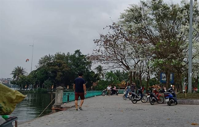Hoang hon phat hien thi the nguoi troi o Ho Tay