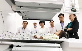 Bệnh viện trẻ em đầu tiên Việt Nam áp dụng kỹ thuật xạ hình vào điều trị bệnh khó