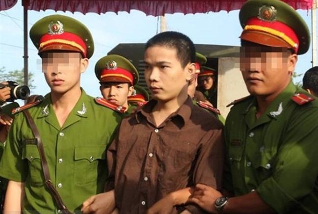 Me tu tu Vu Van Tien: Hanh trinh tuyet vong khi dua con dan buoc vao cua tu