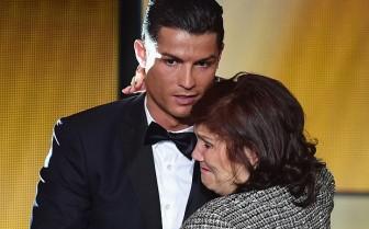 Cristiano Ronaldo: Tuyệt tác kỳ vĩ của tình mẹ bao la