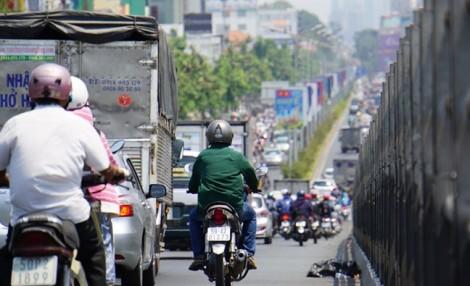 Sài Gòn nóng đổ lửa trong ngày Quốc tế Phụ nữ 8/3