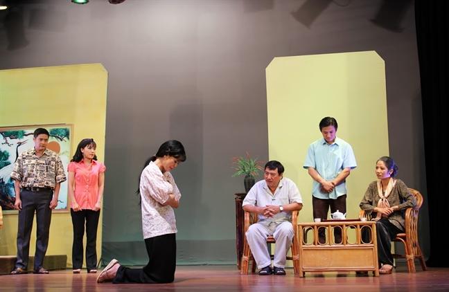 'Oc muon hon' o san khau kich