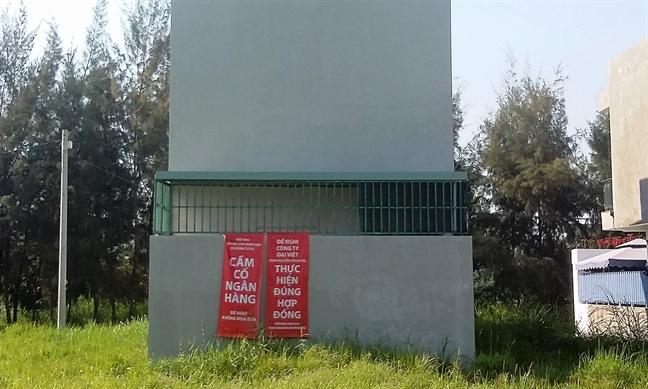 Hon 230 khach hang mua du an Nam Sai Gon Riverside nguy co mat trang vi giao dich bang... 'giay tay'