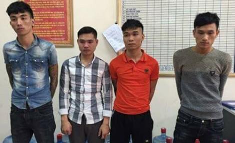 Nhóm nhanh niên chém vào đầu cô gái trẻ để cướp xe máy ở Hà Nội