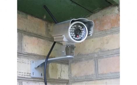 Lắp camera trong nhà để chống trộm hay canh chừng vợ?
