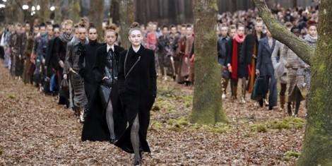 Chanel đưa người mẫu vào rừng diễn thời trang
