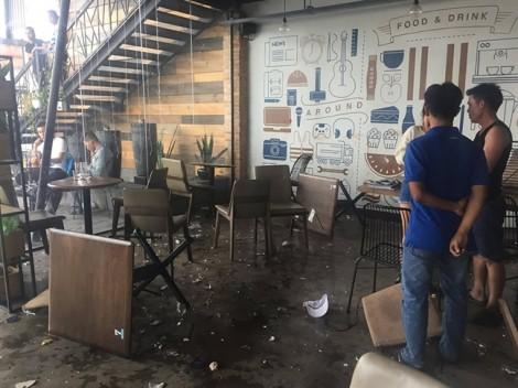 Nhiều thanh niên hỗn chiến quậy nát quán cà phê ở Thủ Đức