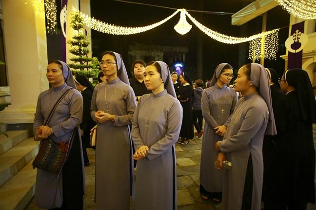 Hang ngan giao dan don linh cuu Tong Giam muc Phaolo Bui Van Doc