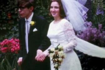 Nỗi cô đơn của người phụ nữ vĩ đại đằng sau thiên tài vật lý Stephen Hawking