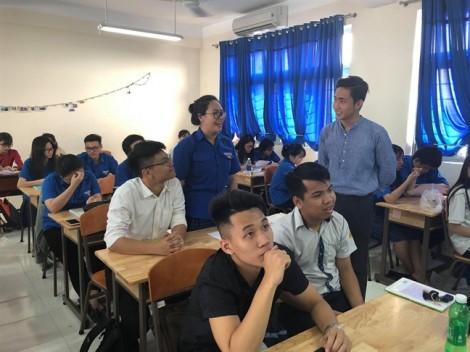 Học sinh Sài Gòn hào hứng vào vai giáo viên