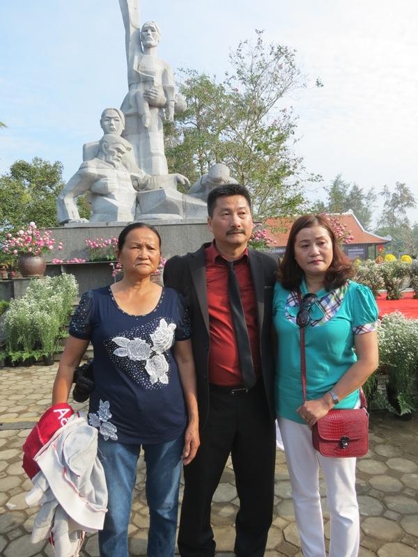 Nguoi dan ong Viet kieu va hanh trinh di tim su that ve buc anh 'Hai dua tre My Lai'