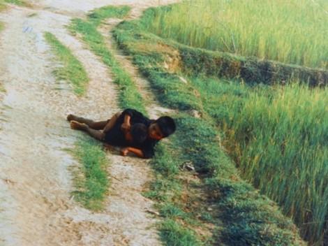 Người đàn ông Việt kiều và hành trình đi tìm sự thật về bức ảnh 'Hai đứa trẻ Mỹ Lai'