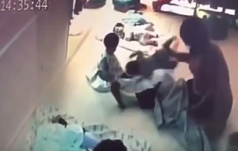 Bảo mẫu đánh đập trẻ 8 tháng tuổi khiến dư luận phẫn nộ