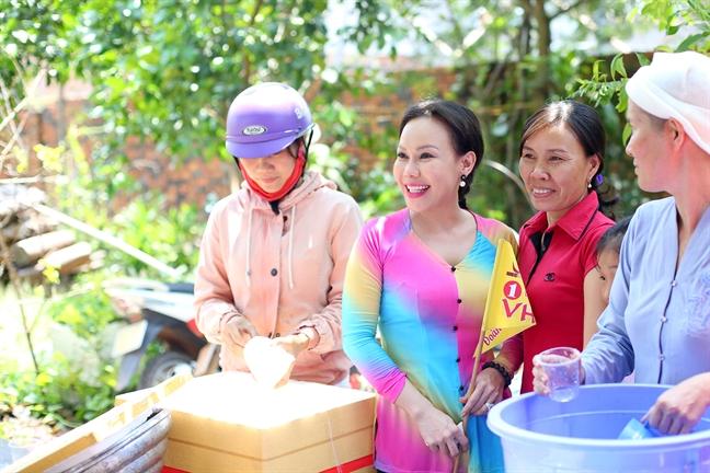350 nguoi cung Viet Huong hanh huong dau nam