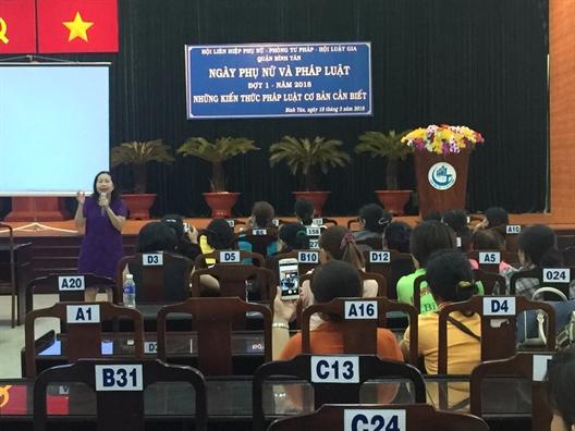 Quan Binh Tan: To chuc Ngay phu nu va phap luat nam 2018