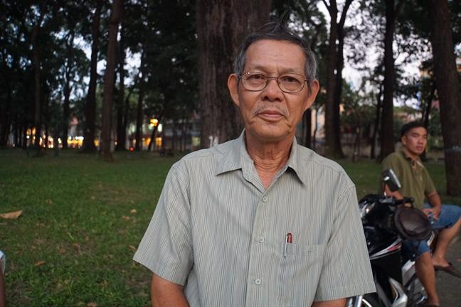 Hang nghin nguoi dan cho nhieu gio de tien biet co Thu tuong Phan Van Khai