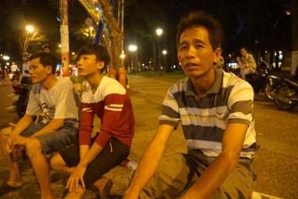 3 người thợ hồ đi bộ gần 1 giờ hỏi đường đến Hội trường Thống Nhất tiễn biệt bác Sáu Khải