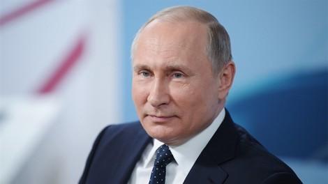 Chiến thắng áp đảo, Tổng thống Nga Vladimir Putin cầm quyền thêm 6 năm
