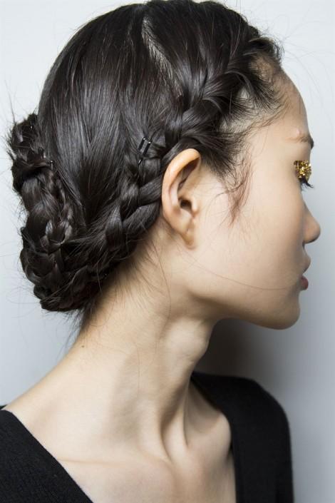 Những kiểu tết tóc xinh xắn, cá tính khi Sài Gòn nóng bức