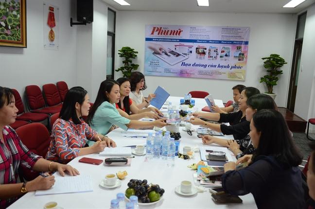 Chu tich Hoi LHPN Viet Nam tham Bao Phu Nu TP.HCM