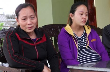 Vợ trẻ khóc nghẹn trước hung tin chồng gặp nạn trước ngày sinh con đầu lòng