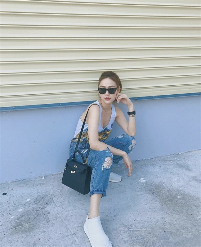 My nhan Viet khoe street style tran ngap hang hieu chao he